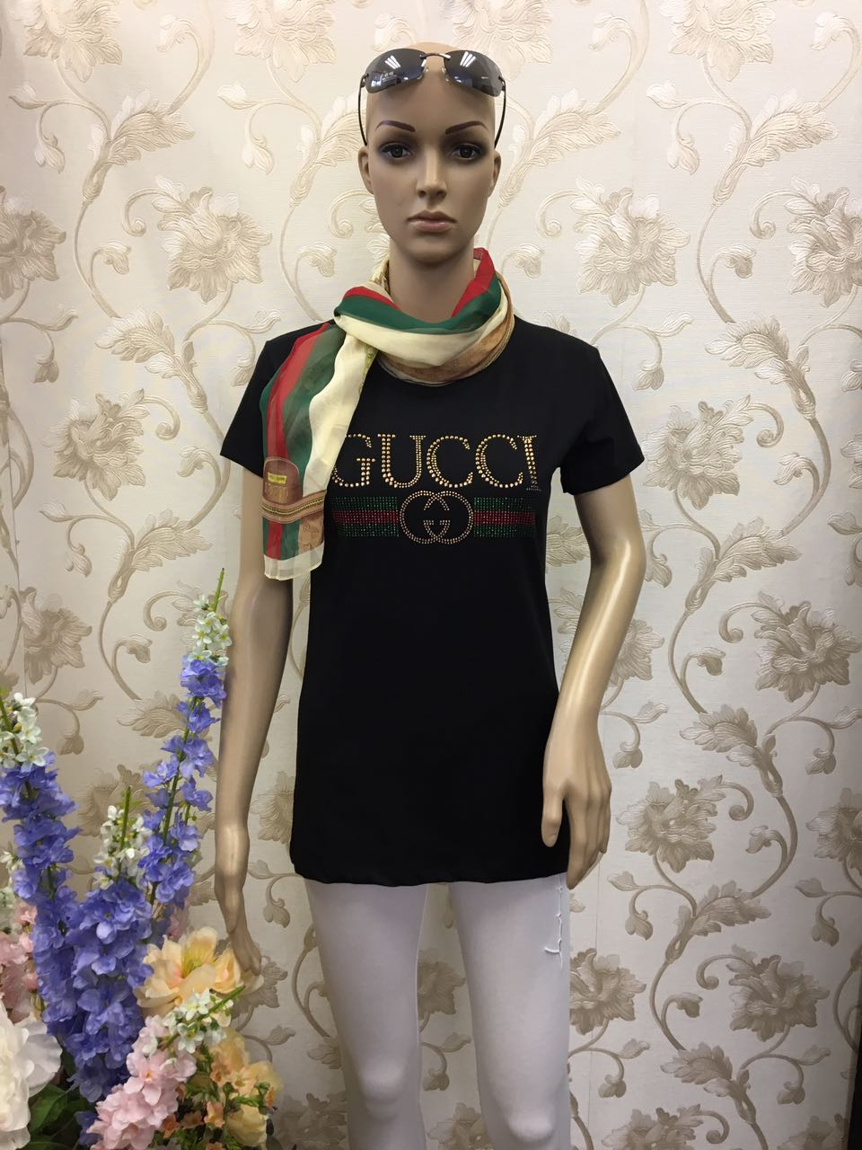 gucci-black-shirt-with-golden-sequence