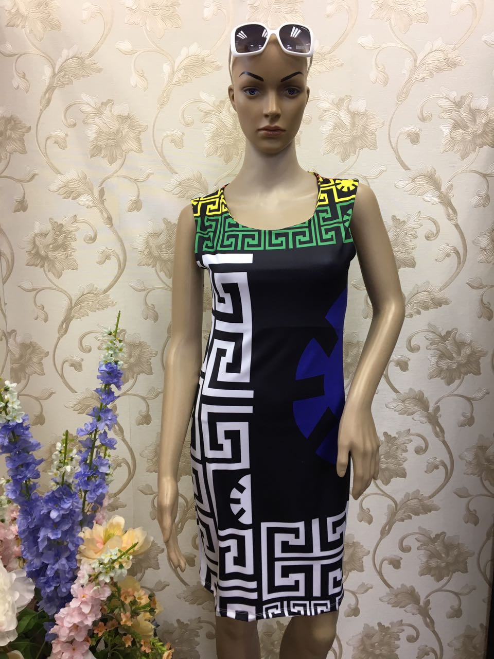 eccentric-versace-geometric-block-color-bandage-dress