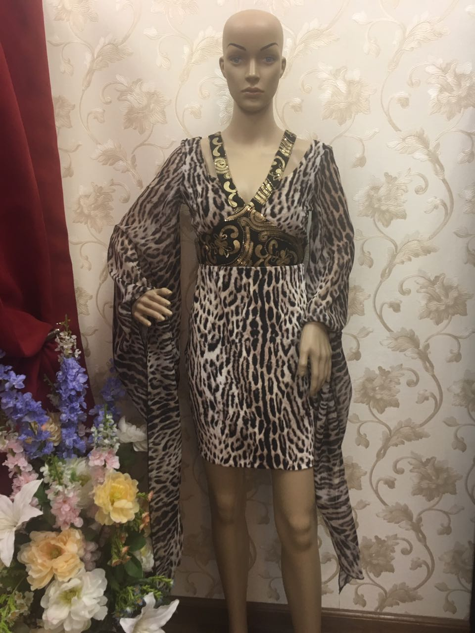 bellissima-fashion-leopard-print-velvet-dress-with-chiffon-flared-sleeve-