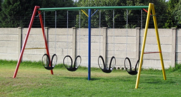 4-seater-cemented-tyre-swing