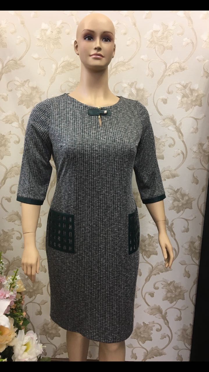 assordante-elegant-grey-knit-dress-with-faux-leather-detail