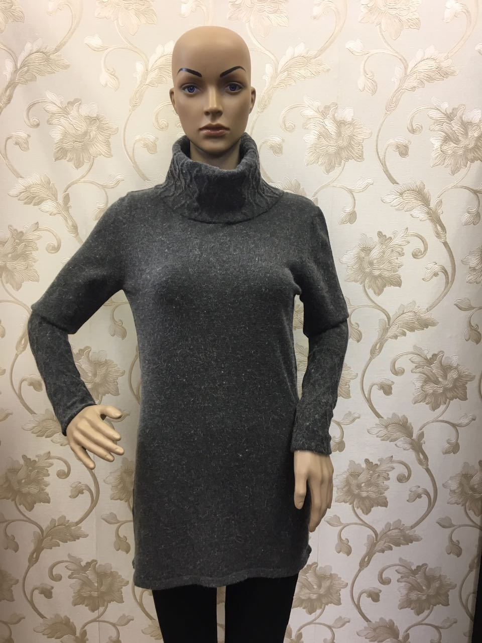 stile-mohair-sweater-in-grey