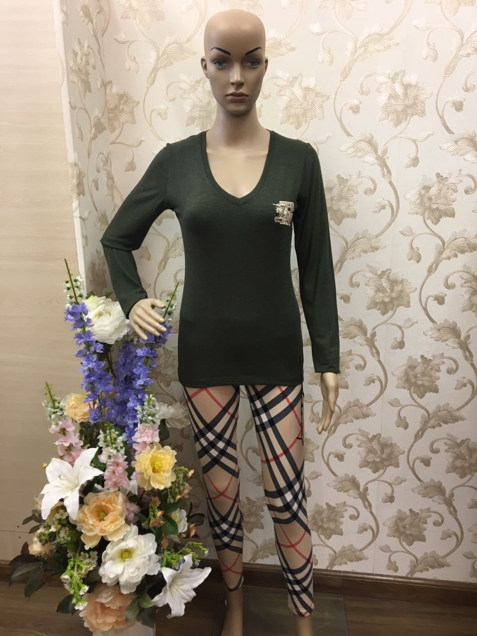 burberry--green-v-neck-pullover-with-embroidery